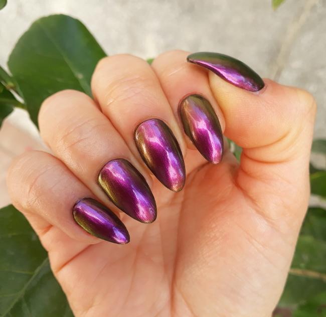Beauty Bigbang Chameleon polish 03 magenta3