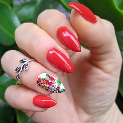 Kiko Perfect Gel Duo nail lacquer + Top coat mano