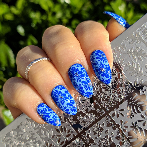 Pupa Lasting Color gel 075 Hydrosphere e stamping nail art floreale plate