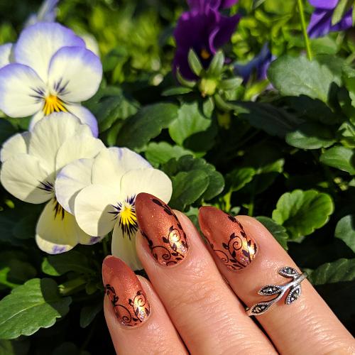 Mavala Quebec e stamping nail art ghirigori fiorellini