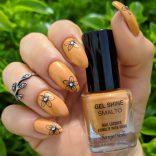 Smalto Bottega Verde Ocra Gialla e nail art floreale